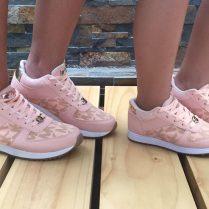 Zapatos de moda bonitos color rosa